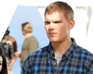 90210 First Look: What Brings Chris Zylka Back?