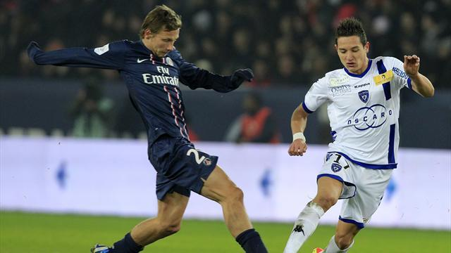 Ligue 1 - Marseille sign French youngsters Thauvin, Lemina