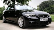 Anamit Sen spent a whole day evaluating a BMW 330i in and around Delhi and the NCR. I'm starting this review with