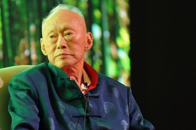 Singapore's former prime minister Lee Kuan Yew attends the Standard Chartered Forum in Singapore on March 20, 2013. Singapore's founding father Lee Kuan Yew, who will turn 90 next month, said in a new book published Tuesday that he feels weaker by the day and wants a quick death