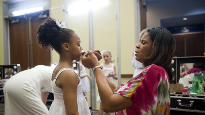 """Holly helps her daughter Nia prepare for the competition in """"Dance Moms."""""""