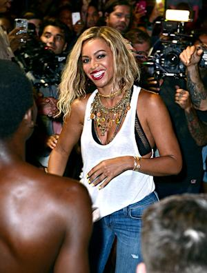 Beyonce Films Music Video at Brooklyn's Coney Island Amusement Park: Picture