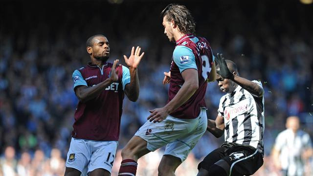 Premier League - Carroll: I've enjoyed West Ham stay