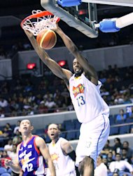 TNT's Keith Benson with a two-handed slam. (PBA Images)