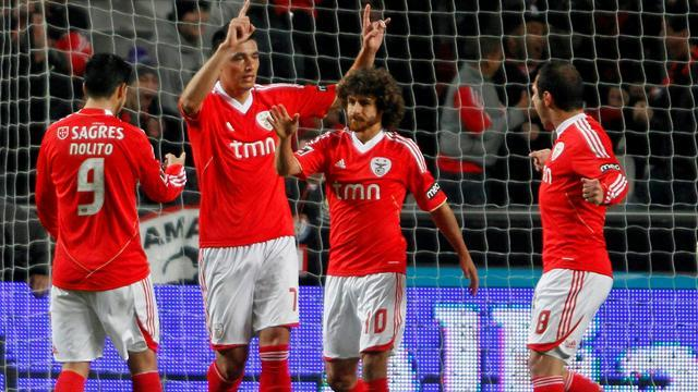 European Football - Playmaker Aimar leaves Benfica after five-year stint