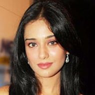 Amrita Rao In A Train Mishap At Bhopal