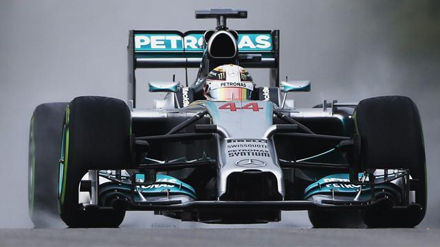 Malaysian Grand Prix - Hamilton matches Clark record with Sepang pole