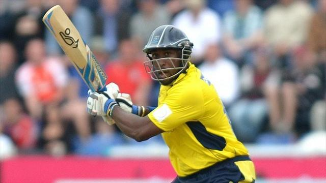 County - Carberry sparkles in Hampshire win