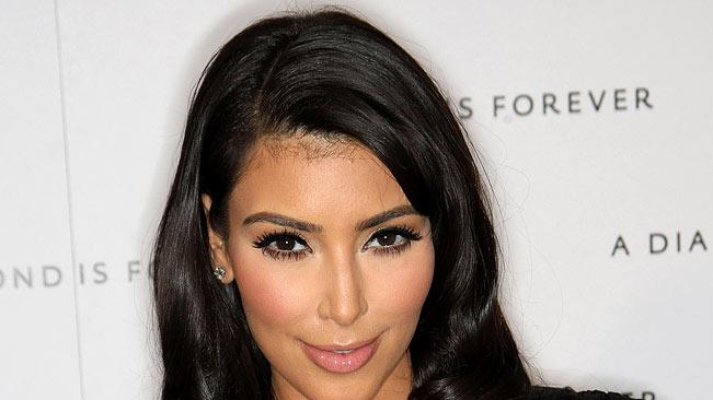 Kim Kardashian attends a Private Pre-Oscar Dinner Celebrating Diamonds in Africa at Chateau Marmont on February 21, 2009 in Los Angeles, California.