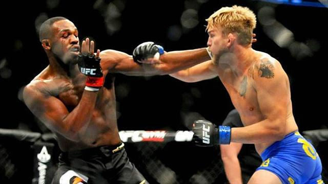 Mixed Martial Arts - Jones outlasts Gustafsson at UFC 165