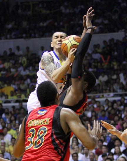 Jimmy Alapag had 29 for TNT, but it wasn't enough.