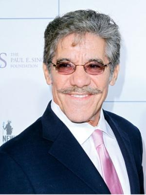 Fox News Demanded Geraldo Rivera Remove Near-Nude Selfie From Twitter (Video)