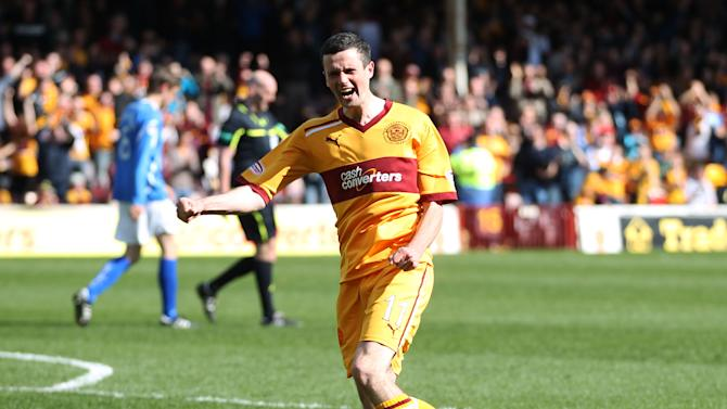 Jamie Murphy's brace helped Motherwell to victory