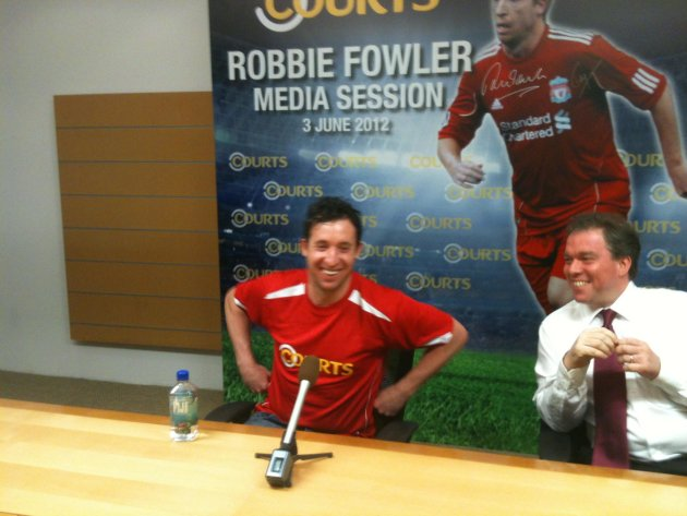 Robbie Fowler was in town to grace the Courts Football Carnival. (Yahoo! photo/Daniel Teo)