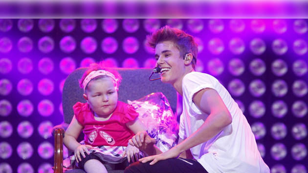Avalanna Routh with Justin Bieber