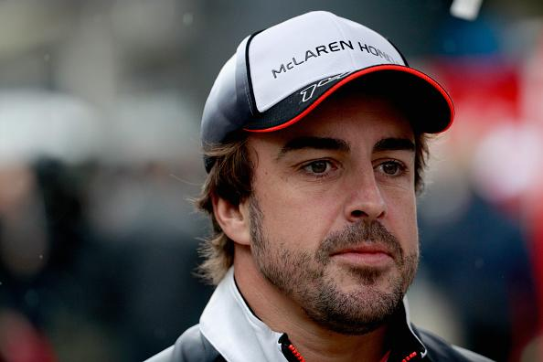 Fernando Alonso will 'respect' McLaren contract and not move to Mercedes