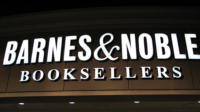 Barnes & Noble's first big move since tie-up with Microsoft: Help users ditch tablets
