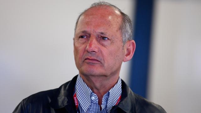 Formula 1 - Dennis keeping McLaren 'on its toes'
