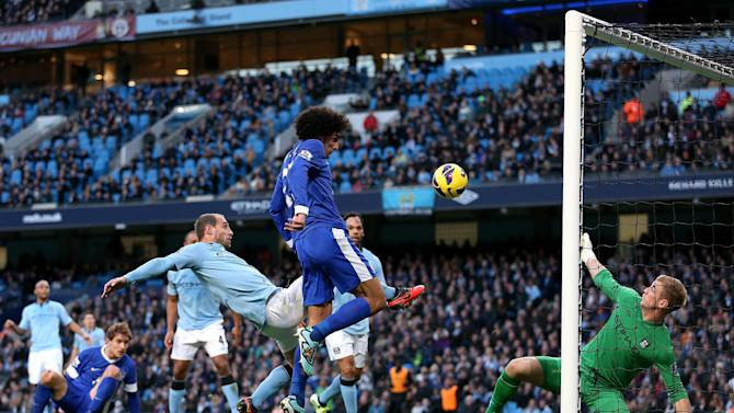 Marouane Fellaini, centre, gave Everton the lead before City struck back