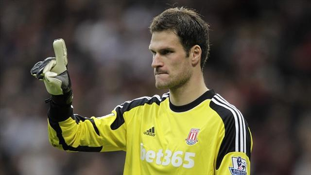 Premier League - Begovic claims City deal was close