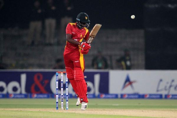 LAHORE, May 23, 2015 (Xinhua) -- Elton Chigumbura of Zimbabwe plays a shot during the first International Twenty20 cricket match between Pakistan and Zimbabwe at the Gaddafi Cricket Stadium in eastern