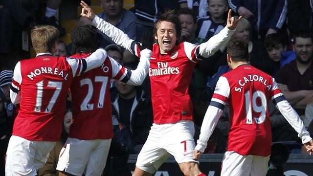 Premier League - Arsenal hold off WBA despite Mertesacker red