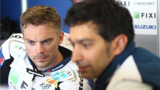 Superbikes - Camier struggling with lack of feeling in arm