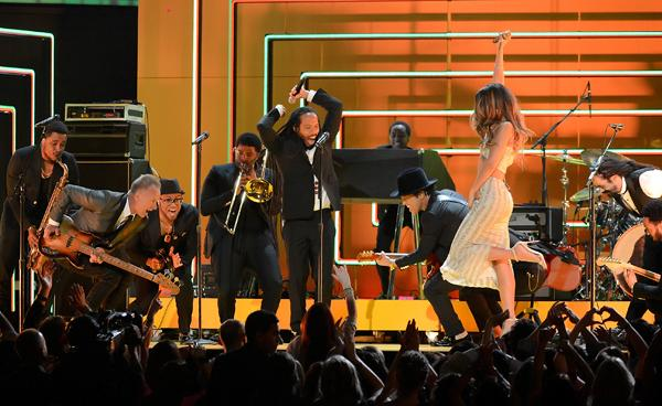 Rihanna, Bruno Mars, Sting Pay Tribute to Bob Marley at Grammys