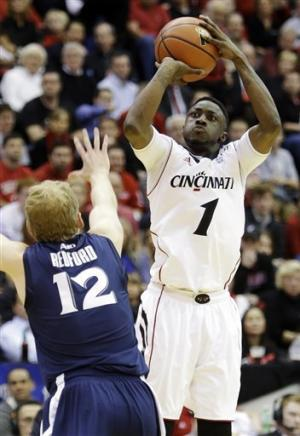 No. 11 Cincinnati beats Xavier 60-45 amicably