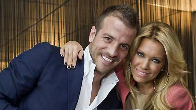 German Bundesliga  - Van der Vaart splits with wife after violent outburst