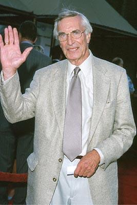 Premiere: Martin Landau at the Universal City premiere of Universal's Nutty Professor II: The Klumps - 7/24/2000