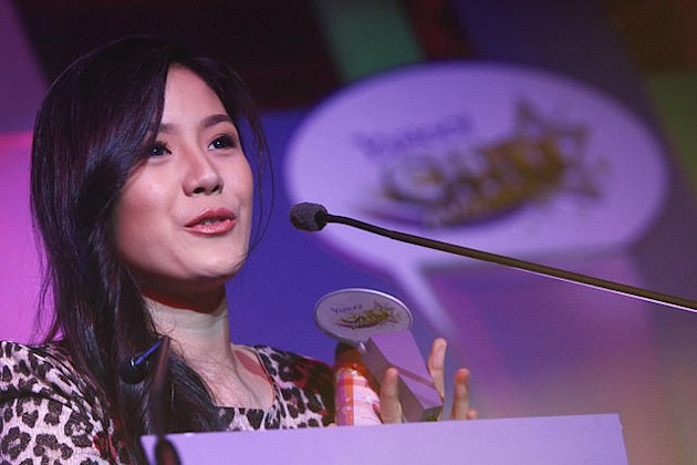 Ritz Azul attends the Yahoo! OMG Awards. Photo by Jerome Ascano/NPPA Images.