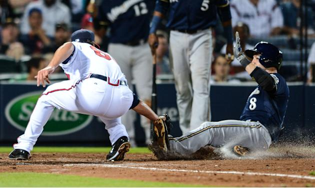 Braun powers Brewers to easy win over Braves