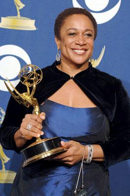"S. Epatha Merkerson, winner - Outstanding Lead Actress in a Miniseries or a Movie for ""Lackawanna Blues"" 57th Annual Emmy Awards Press Room - 9/18/2005"