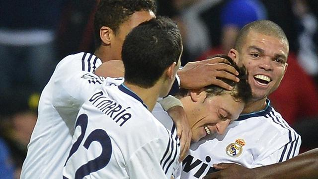 Champions League - Ozil rescues a point for Real Madrid