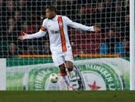 Adriano condemned for goal