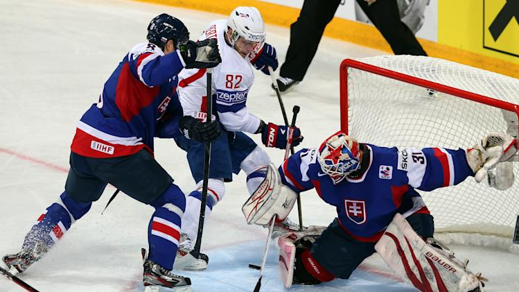 France v Slovakia - 2013 IIHF Ice Hockey World Championship