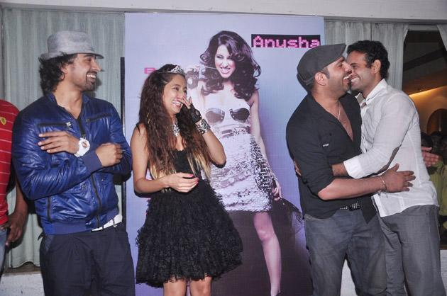 Yuvi parties with Anusha