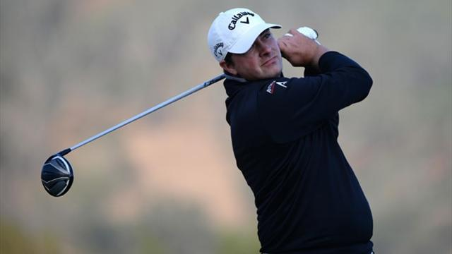 Golf - American Stuard leads in Hawaii, Scott lurks