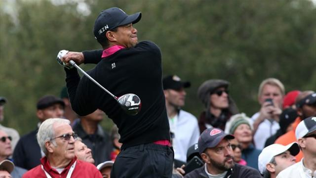 Golf - Woods takes control with a 62 at Sherwood