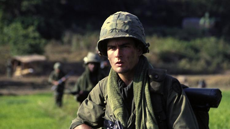 Charlie Sheen Platoon Production Stills MGM 1986