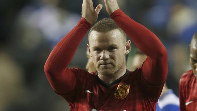 Football - Knee injury rules Rooney out for weeks