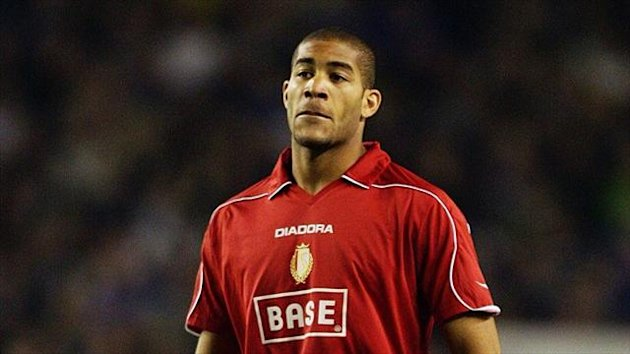 Oguchi Onyewu will stay at Sheffield Wednesday until the end of the season