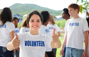 Social Media for Nonprofits: 3 Ways to Engage Do Gooders image volunteer social media