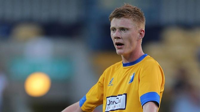 Football - Clucas move breaks down