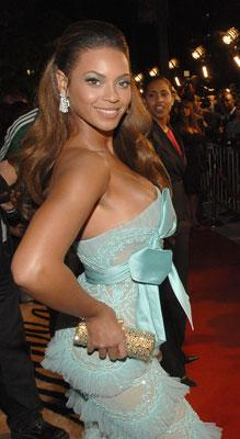 Beyonce Knowles at the Los Angeles premiere of DreamWorks Pictures' and Paramount Pictures' Dreamgirls