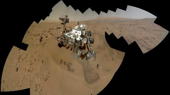 Say Cheese! Mars Rover Curiosity Snaps Amazing Self-Portrait