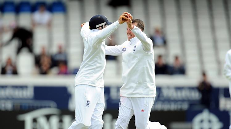 Cricket - Investec Test Series - Second Test - England v New Zealand - Day Four - Headingley