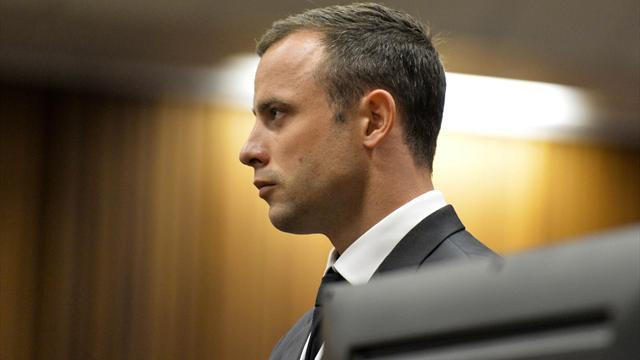 Pistorius case - Pistorius in tears over gruesome details of killing