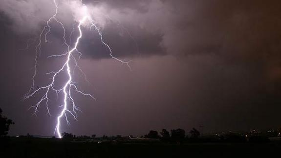 Cosmic Rays Could Spark Earth's Lightning